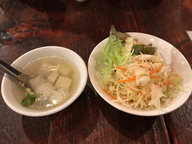 サラダとスープの画像