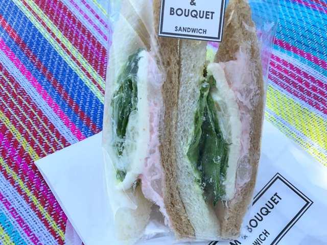 サーモンのサンドイッチの画像