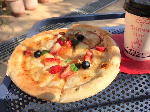 フルーツピザの画像